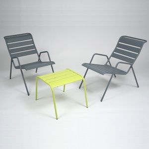 choisir son salon bas de jardin gamm vert. Black Bedroom Furniture Sets. Home Design Ideas