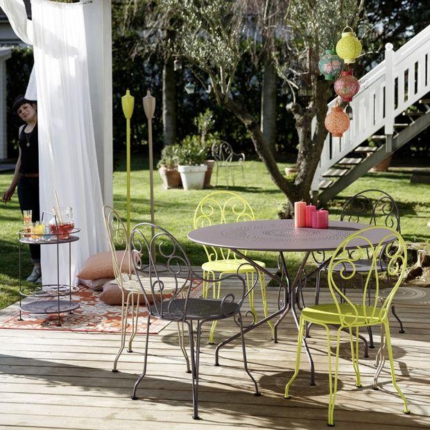 Salon de jardin Fermob Montmartre : Table Ø117 cm + 4 chaises + 2 ...