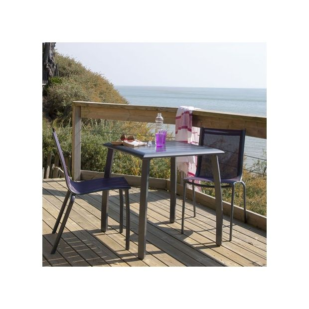 Salon de jardin : table Azuro 70 cm gris anthracite + 2 chaises ...