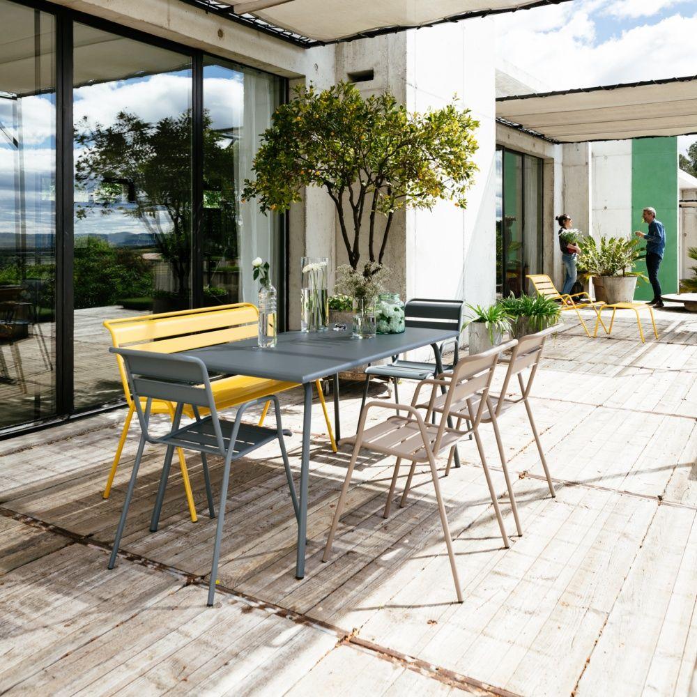 table de jardin fermob monceau acier l146 l80 cm gris orage 1 carton 95 5 x 23 4 x 161 cm gamm. Black Bedroom Furniture Sets. Home Design Ideas