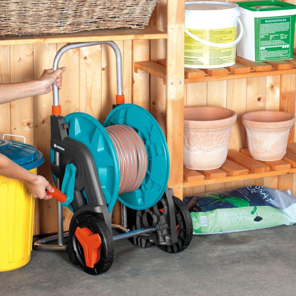 d vidoir sur roues gardena 60 ts quip sur roues 25 m carton gamm vert. Black Bedroom Furniture Sets. Home Design Ideas