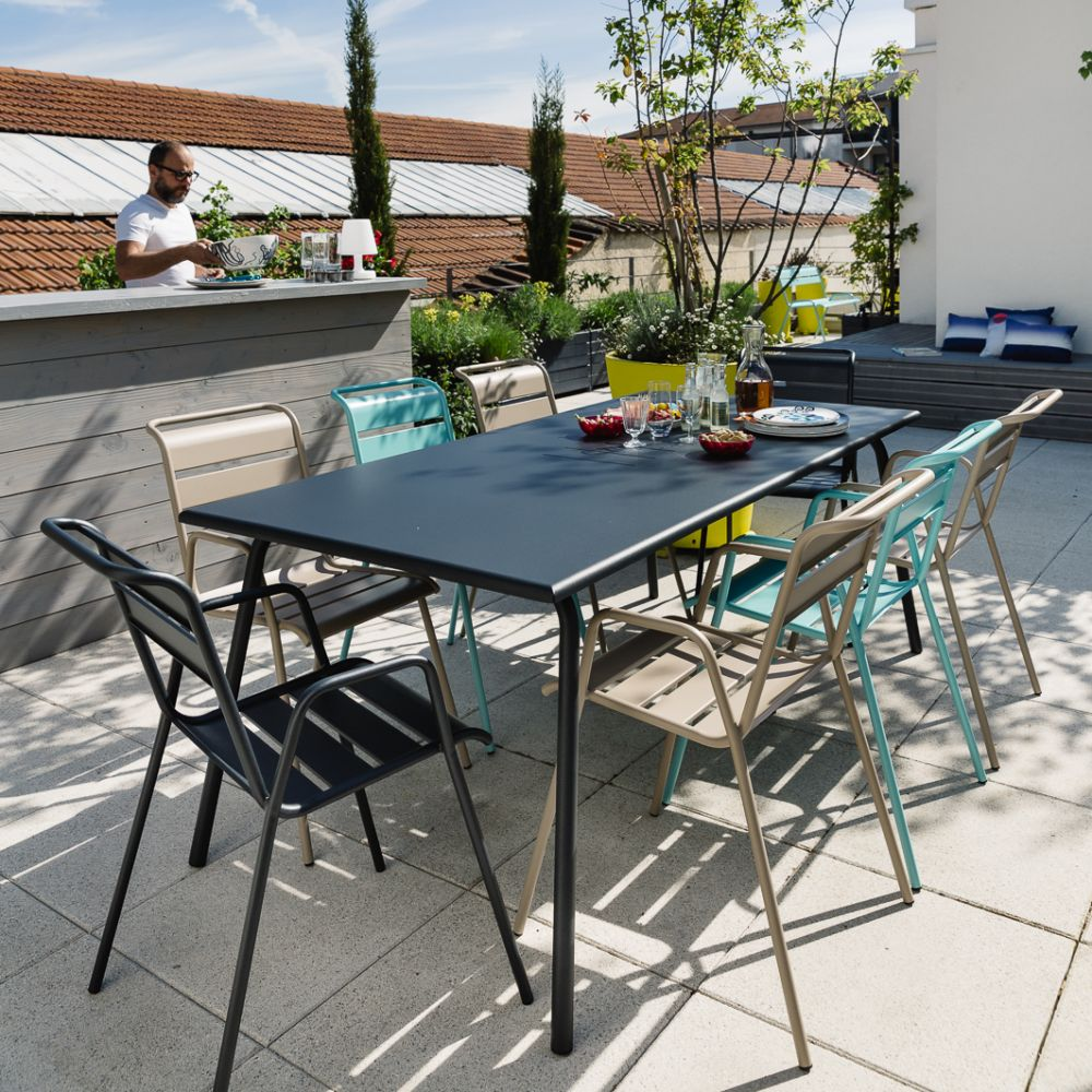 Table de jardin Fermob Monceau acier 194 x 94 cm carbone