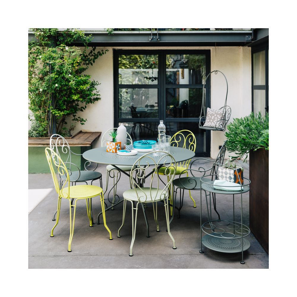 table de jardin fermob montmartre acier 117 h74 cm. Black Bedroom Furniture Sets. Home Design Ideas