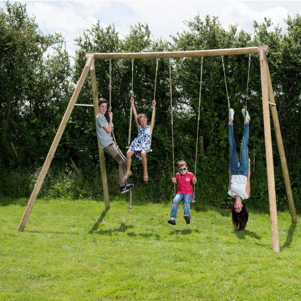 Portique en Bois adulte : un jeu d'anneaux métal, une balançoire, une trapèze, une corde à noeuds